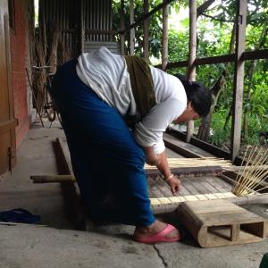Making Kaunaphak Mats